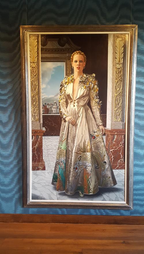 'Afscheid van Mathilde' uit 1975, een portret van zijn derde vrouw, Mathilde de Doelder in de Luipaardmantel van ontwerpster Fong-Leng.