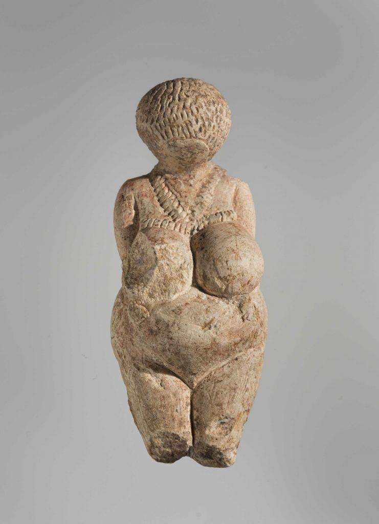 Venus van Kostjonki, 25.000 jaar oud en daarmee het oudste kunstwerk van de Hermitage. Foto State Hermitage Museum, St Petersburg.